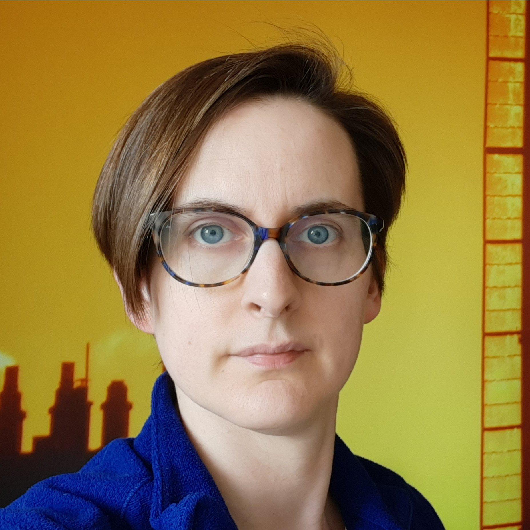 Dr Sue Mahony